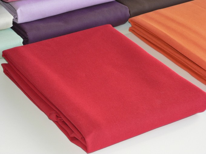 Nappe Rectangle Rouge 240x160 cm