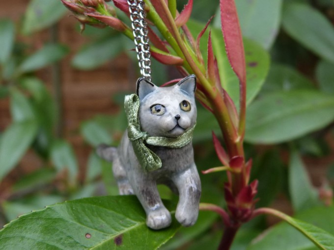 Collier Porcelaine Grey Cat Chaine Argentée